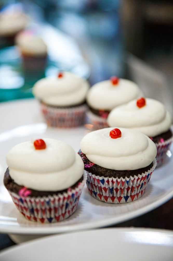 Antonio's Cupcake Factory: 113 Temple Hill Rd, New Windsor, NY