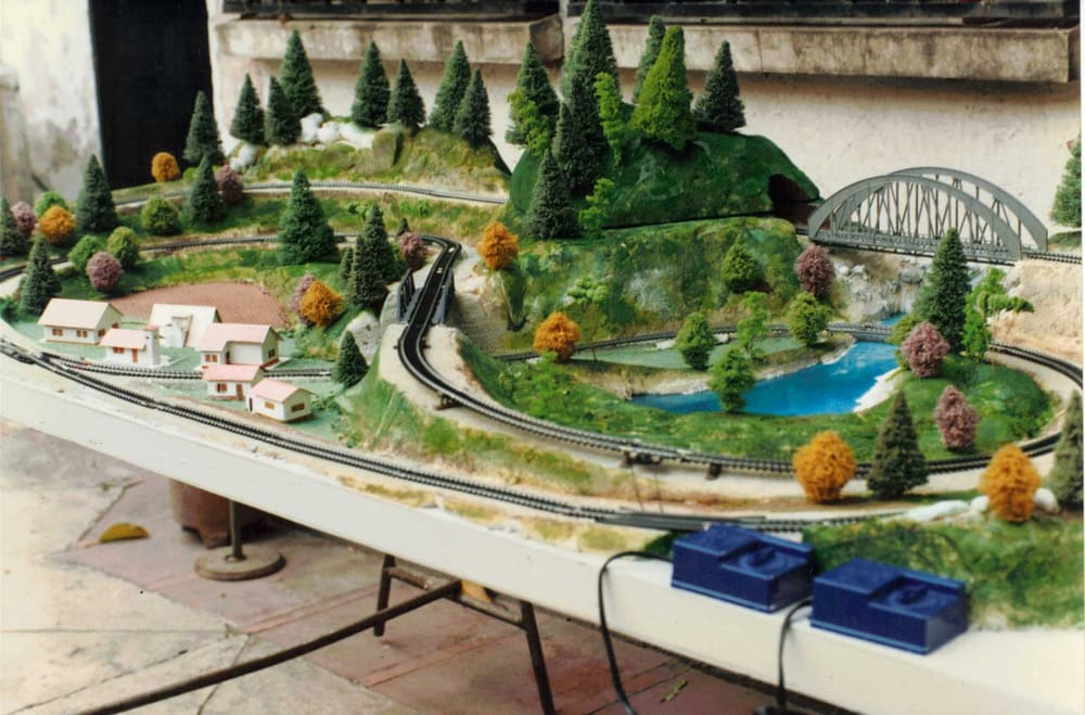 Maqueta de ferrocarril escala h0 yelp - Como hacer una maqueta de una casa ...