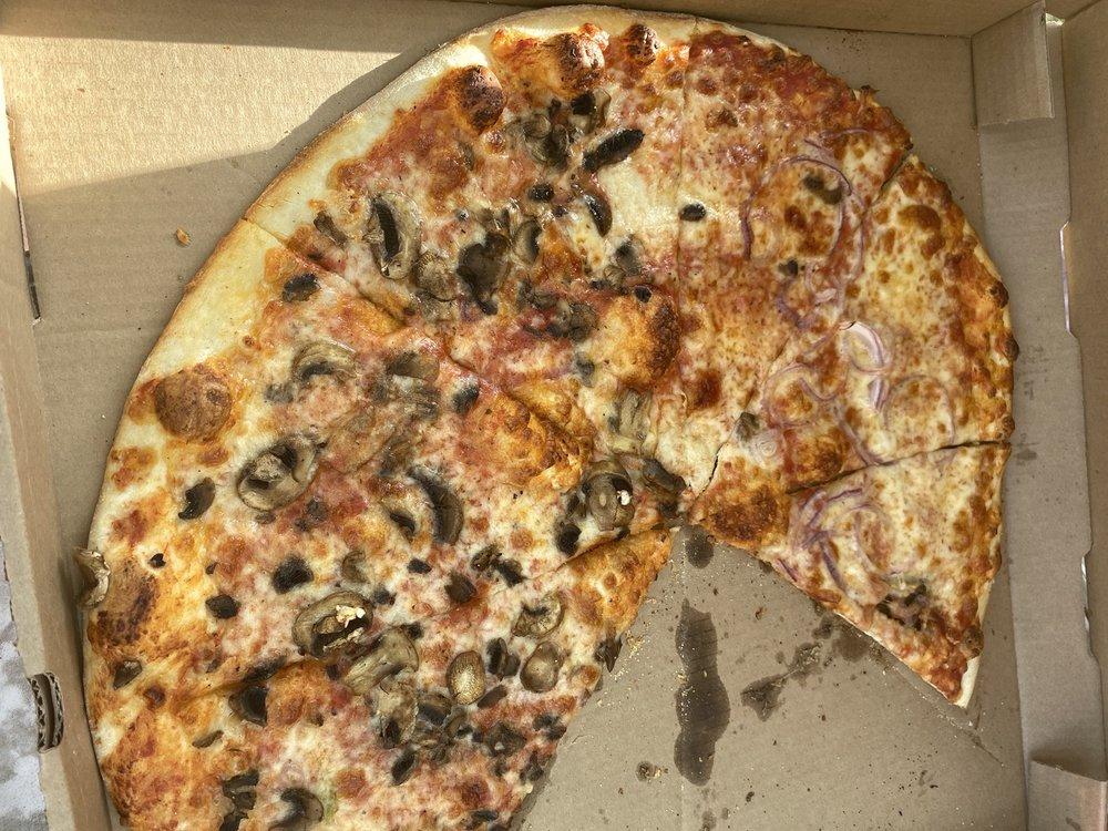 Right Coast Pizza: 7100 W 38th Ave, Wheat Ridge, CO
