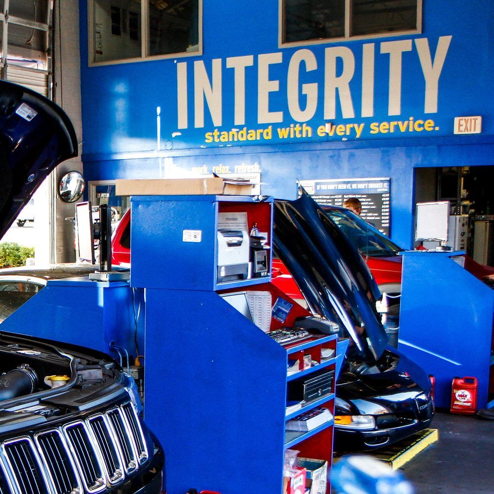 Express Oil Change & Tire Engineers: 5722 Peachtree Industrial Blvd, Chamblee, GA