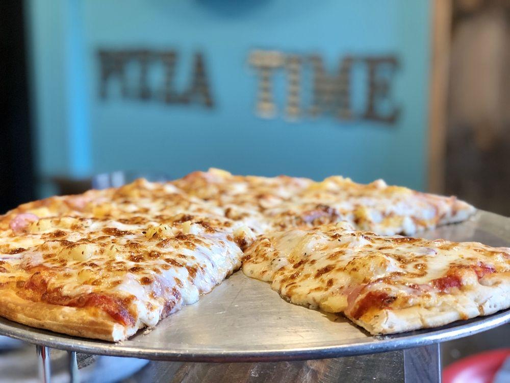 Rock Creek Tavern & Pizzeria: 6 Ski Rd, Allenspark, CO