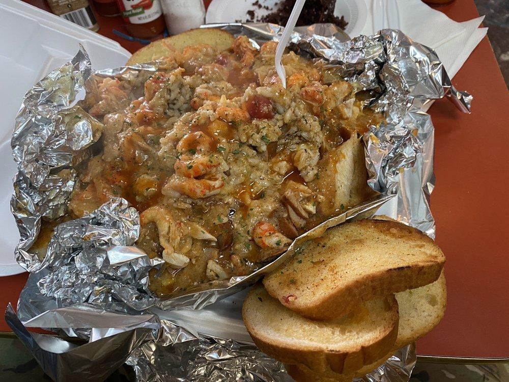 Louisiana Sisters Cafe: 3971 US Hwy 49, Hattiesburg, MS