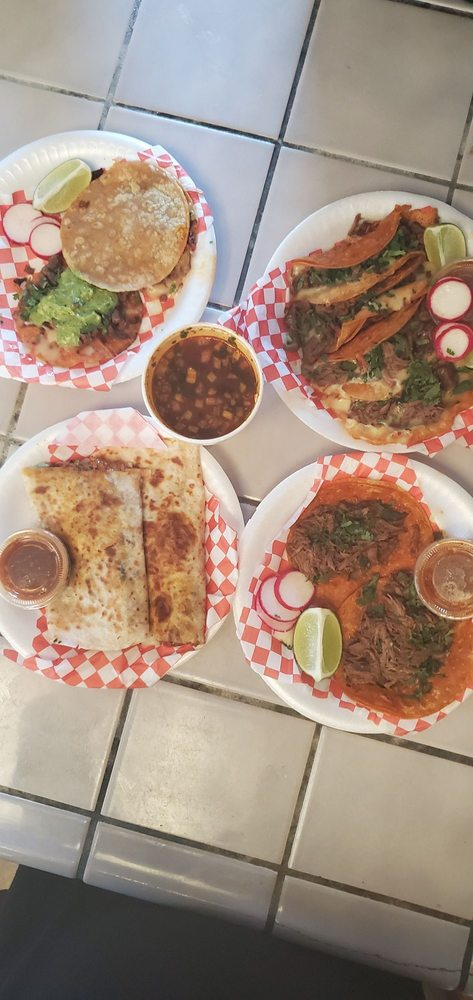 Compadres Estilo Tijuana: 18th Ave And Jersey Ave, Lemoore, CA