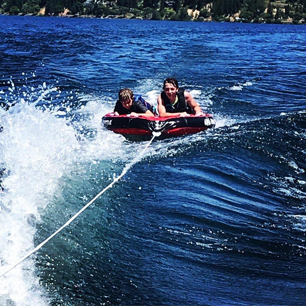 Lake Escapes Boat Rentals: 16003 N Suncrest Dr, Nine Mile Falls, WA