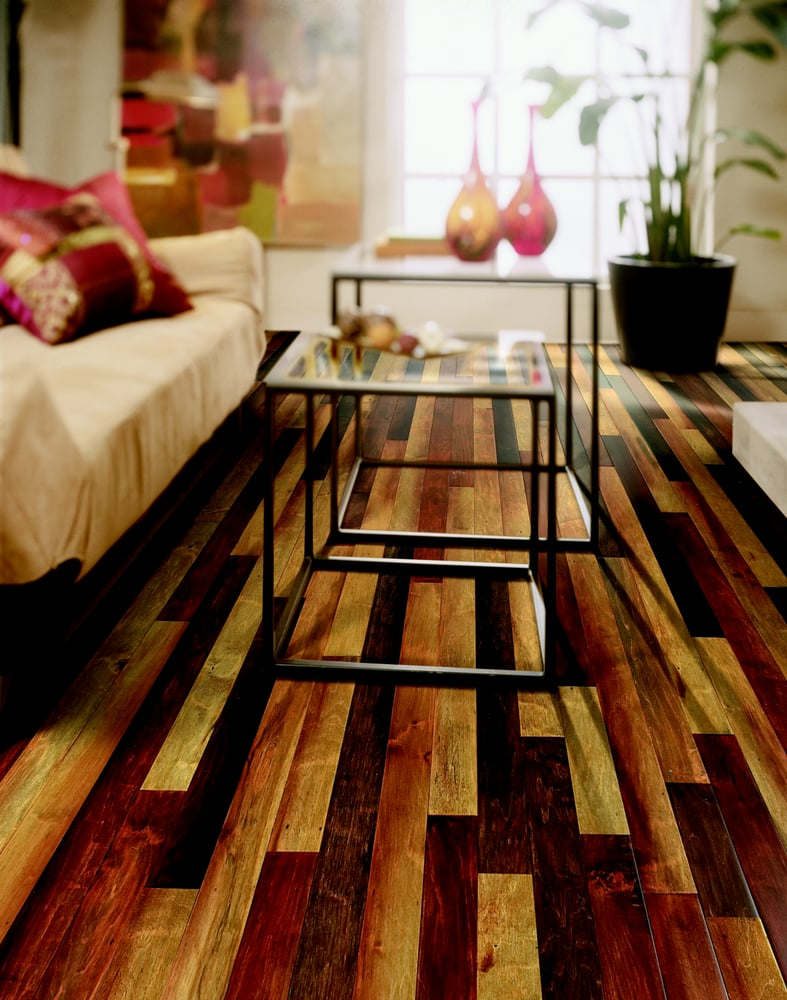 This room uses the same wood flooring in a mix of 3 for All floors