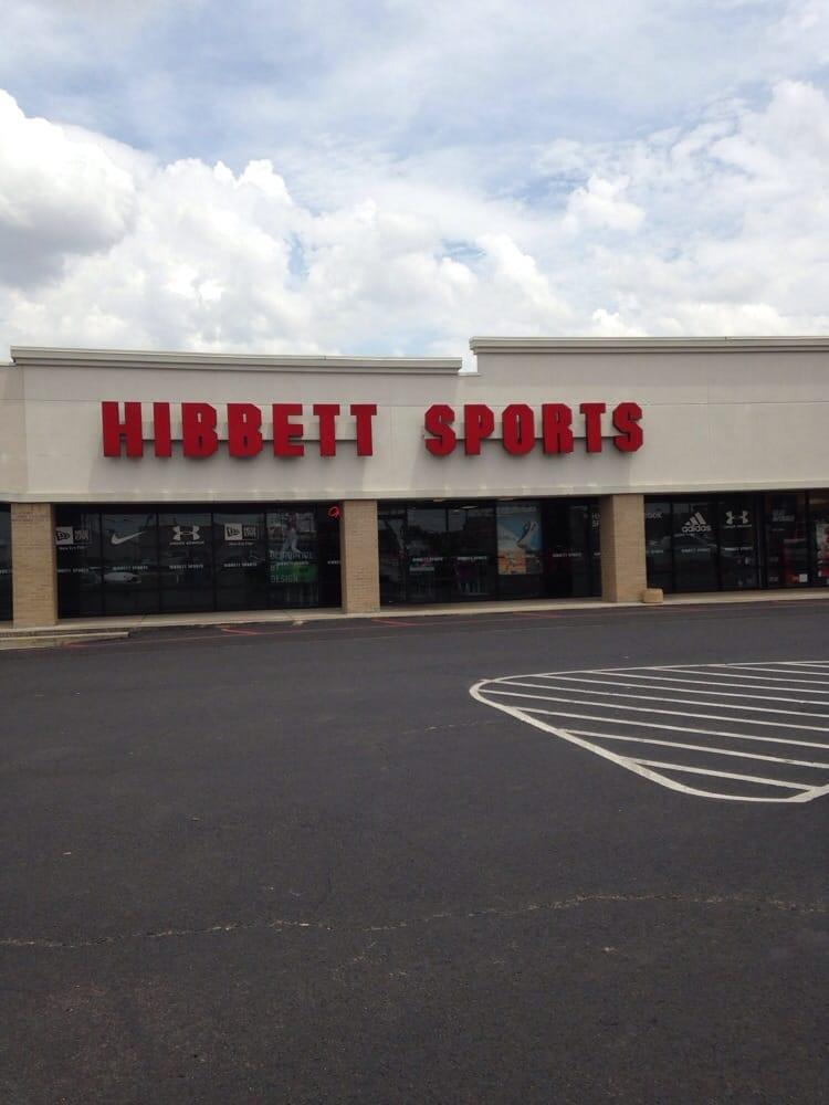Hibbett Sports: 604 N Davis Ave, Cleveland, MS