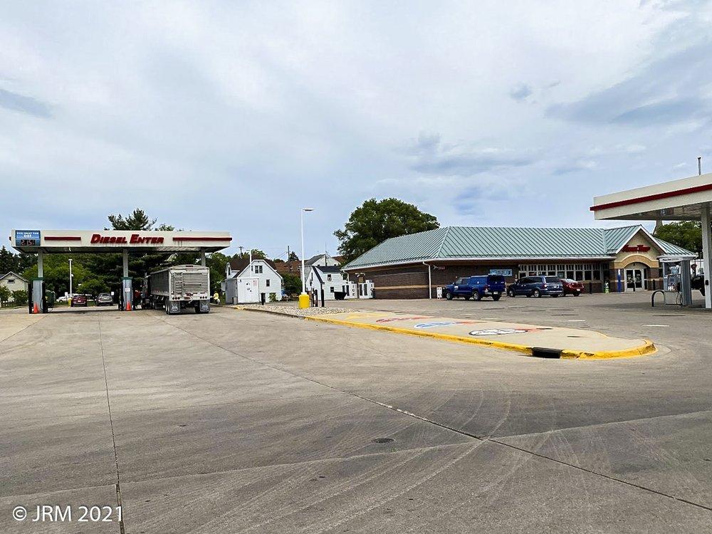 Kwik Trip: 12 W Madison St, Clintonville, WI