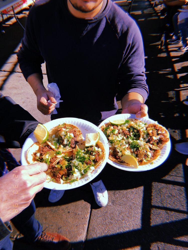 Tacos El Cacheton: 4518 E Rosecrans Ave, Compton, CA
