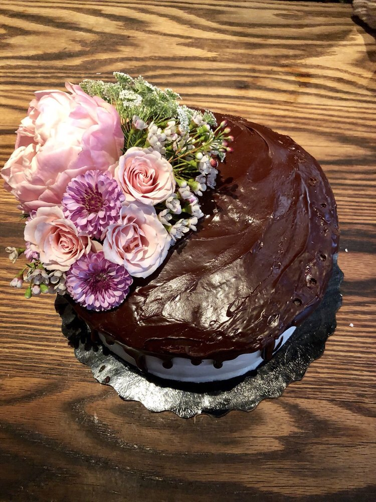 Fresh Flowers For A Special Birthday Cake Best Selection And Such