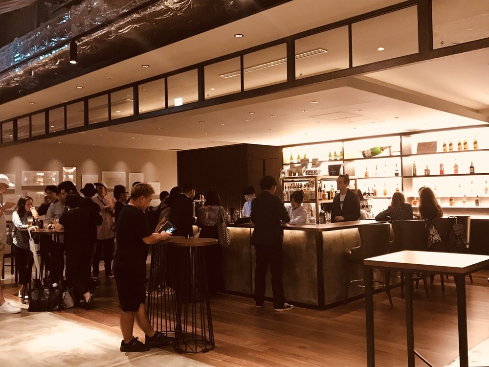 Bar & Dining TORRENT