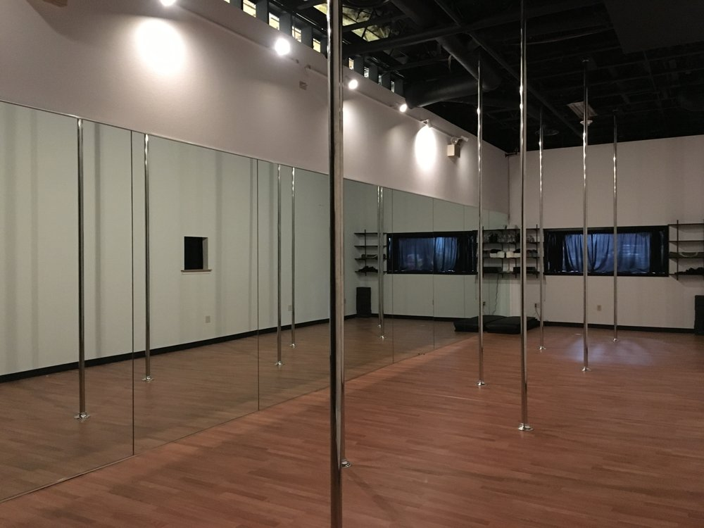 crash academy pole studio 11 beitr ge tanzstudio 3247 sammy davis jr dr las vegas nv. Black Bedroom Furniture Sets. Home Design Ideas