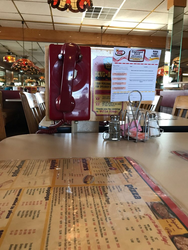 Pizza King Restaurant & Delivery: 1705 N Walnut St, Hartford City, IN