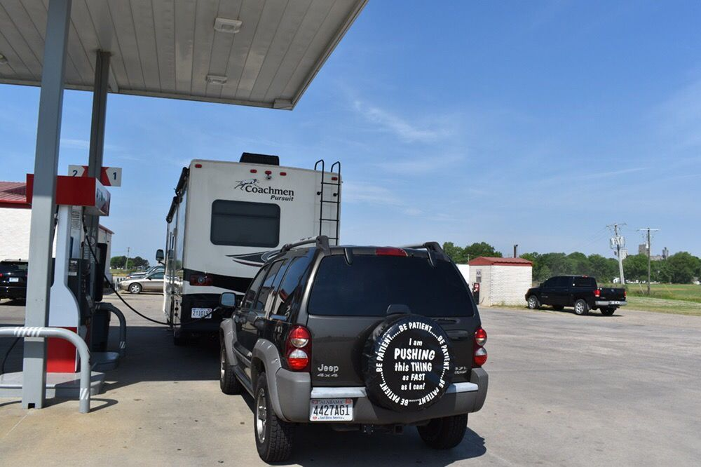 Cash's Travel Plaza: 607 Hwy 65 N, Dumas, AR