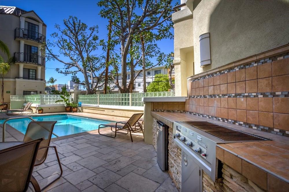 Burton Way Apartments Los Angeles Ca
