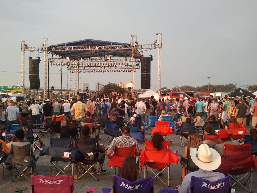 stoney larue at cowboy 39 s music fest ii yelp. Black Bedroom Furniture Sets. Home Design Ideas