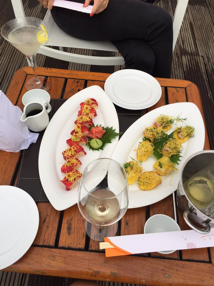 Skye Bar & Restaurante