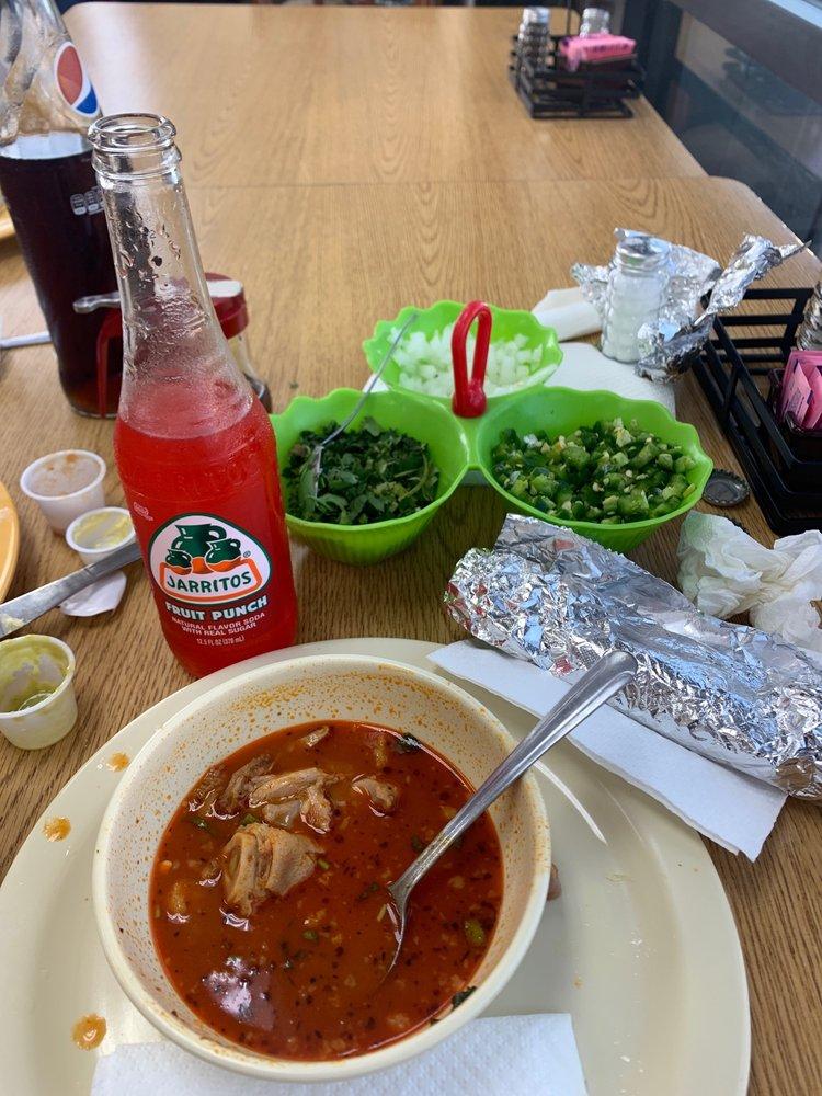 Los Jarritos Mexican Food: 801 S Eagle St, Weimar, TX