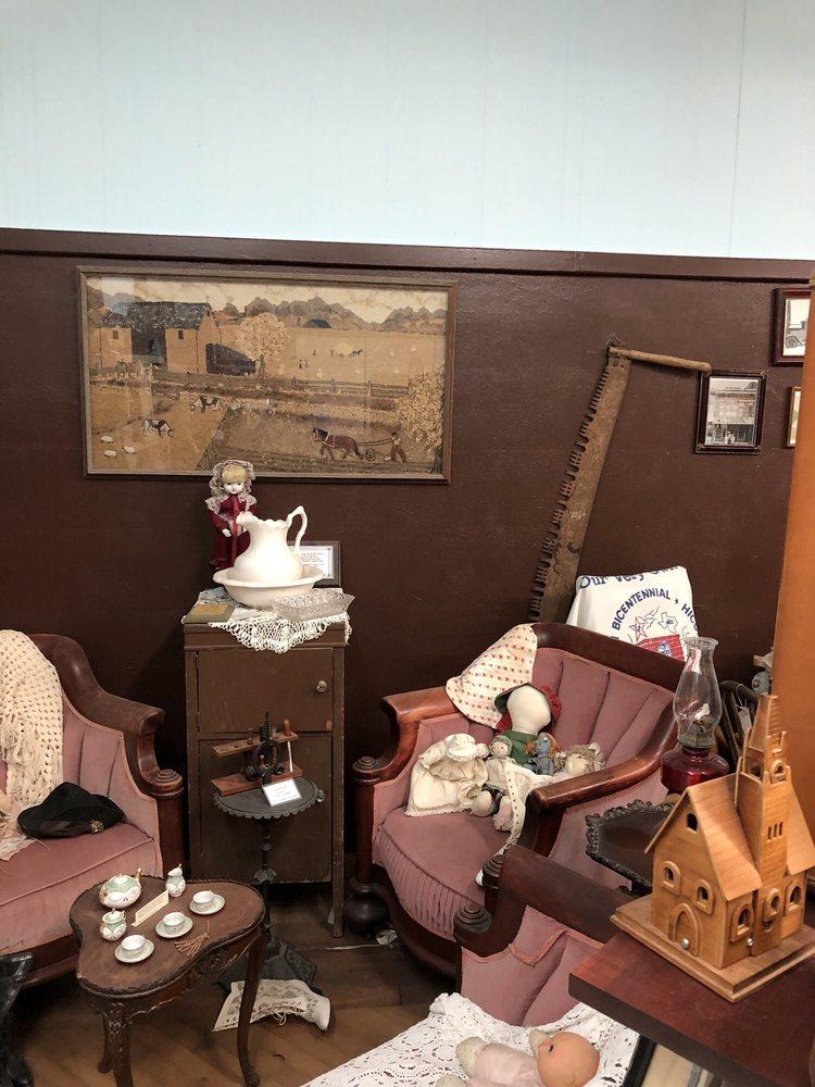 Billy the Kid Museum: 114 N Pecan St, Hico, TX