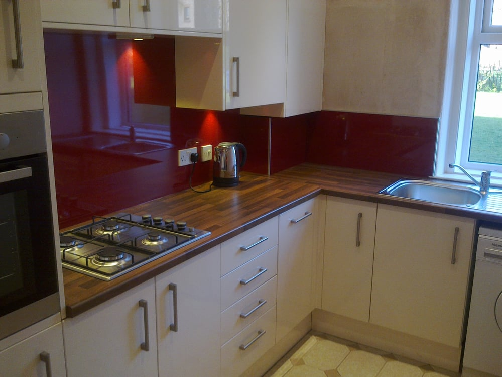 Glasgow kitchen fitters 20 photos builders 317 glasgow road south side glasgow phone - Kitchen backboards ...