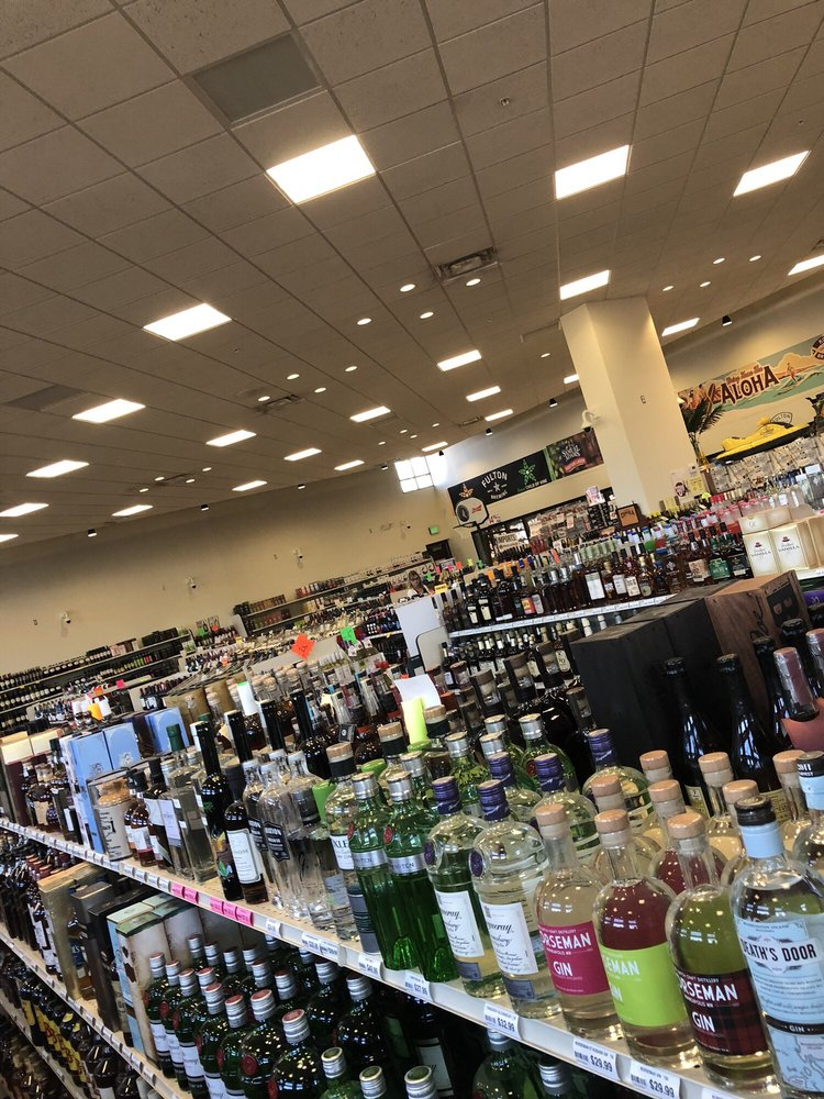 Top Valu Liquor: 4950 Central Ave NE, Columbia Heights, MN