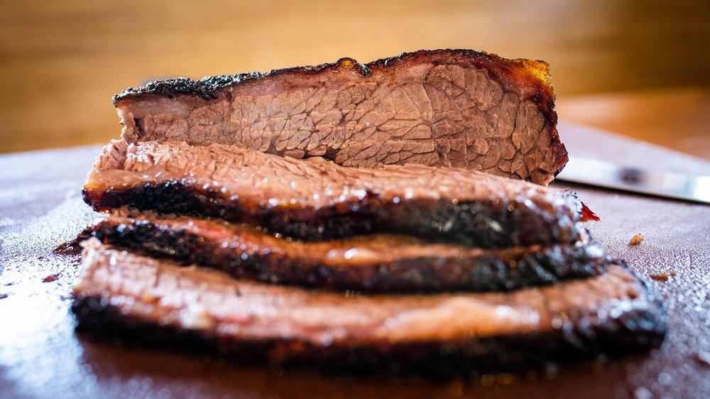 Bigham's Smokehouse: 3312 82nd St, Lubbock, TX