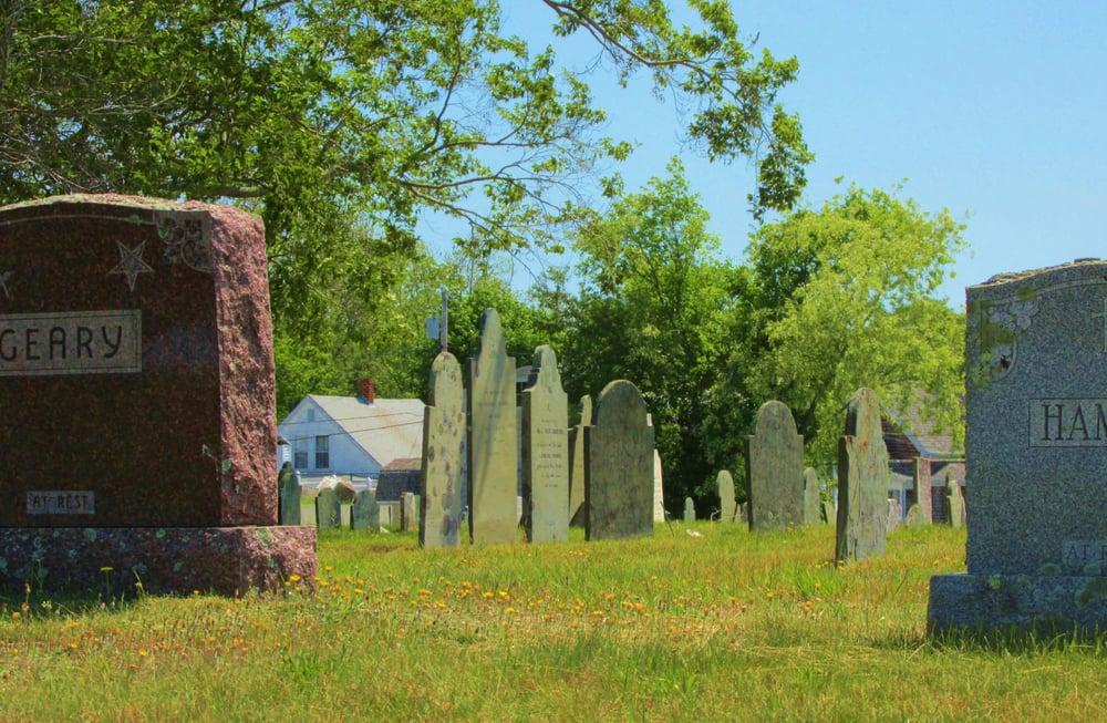 Acushnet Cemetery: 91 Main St, Acushnet, MA