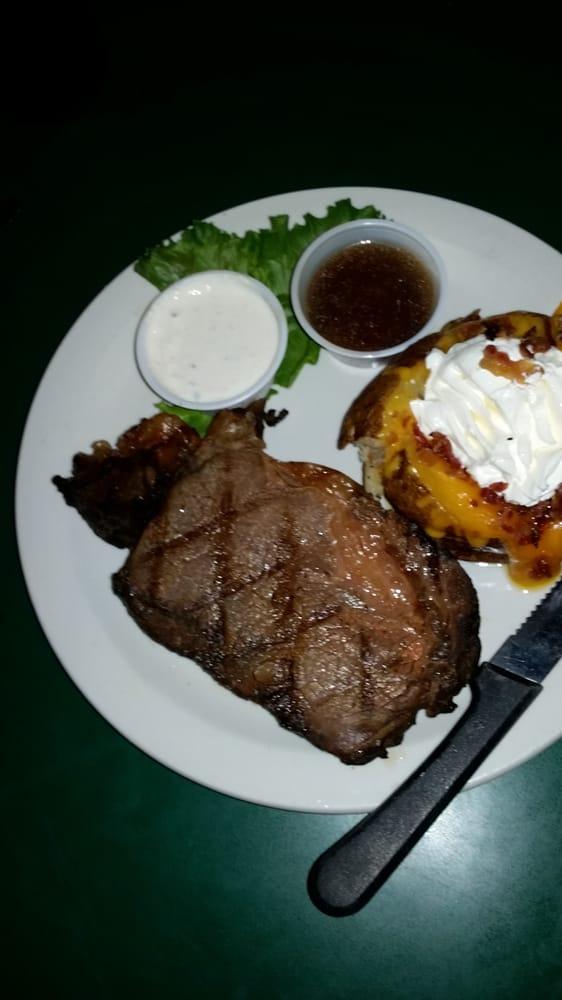 Grand Slam Sports Bar & Grill: 519 Mae Ct, Fenton, MO