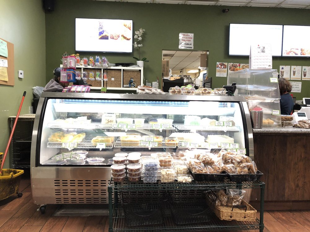 Gemmae Bake Shop: 10606 Camino Ruiz, San Diego, CA