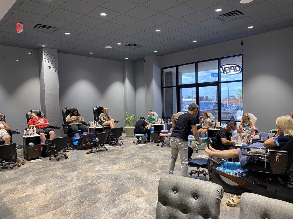 Lux's Nail Spa: 1431 S Range Line Rd, Joplin, MO