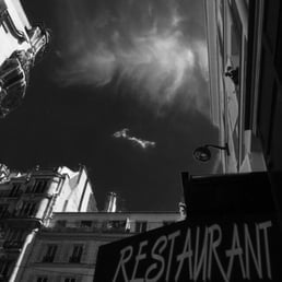 Bistrot smiley 17 photos 20 avis bistrot 37 rue for Restaurant miroir rue des martyrs