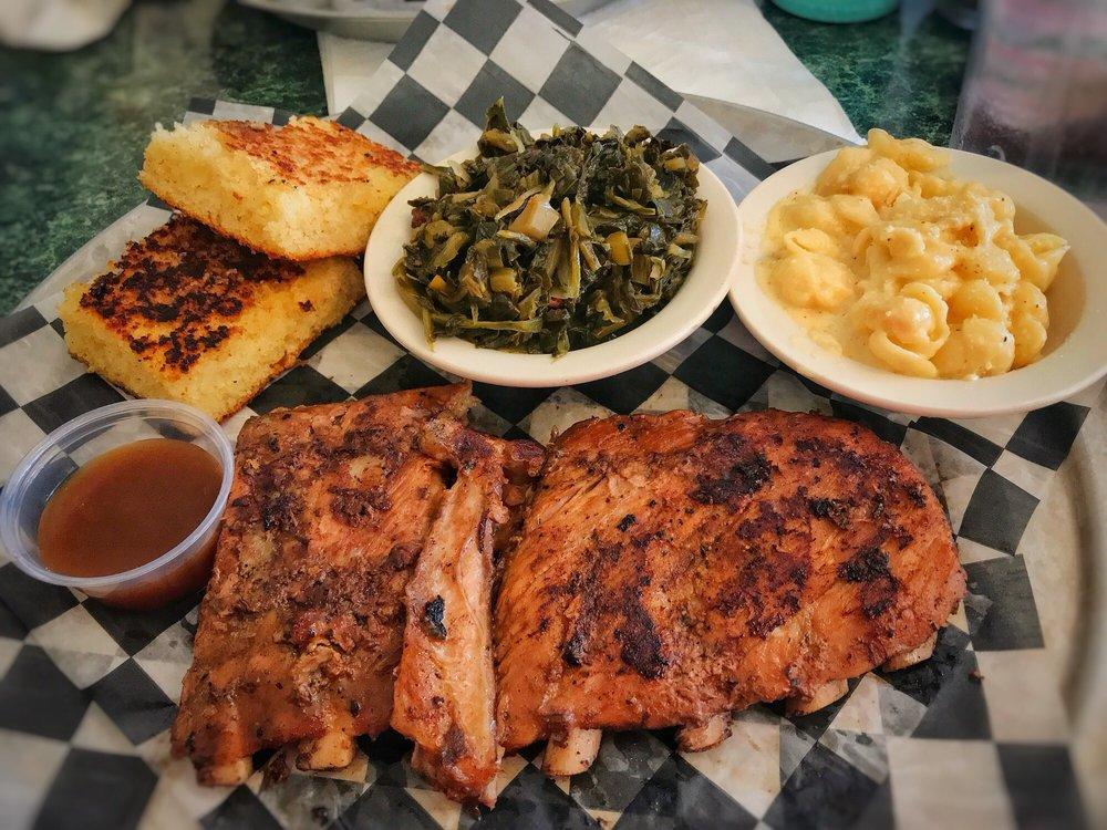 Jonny Mac's Lowcountry Grille & BBQ: 3885 Hendersonville Rd, Fletcher, NC