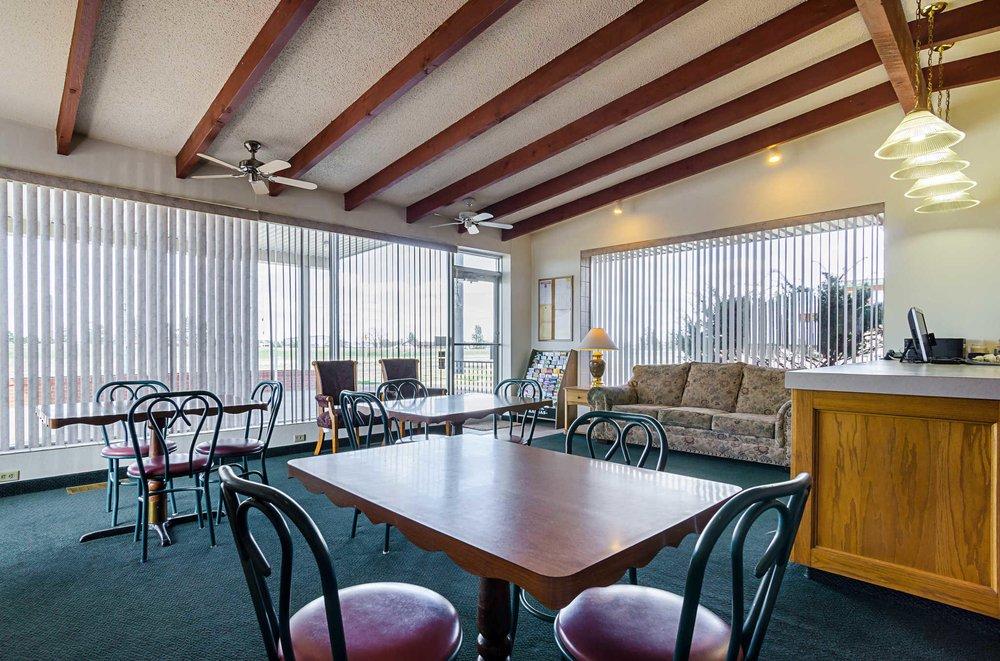 Econo Lodge: 705 South 2nd St, WaKeeney, KS