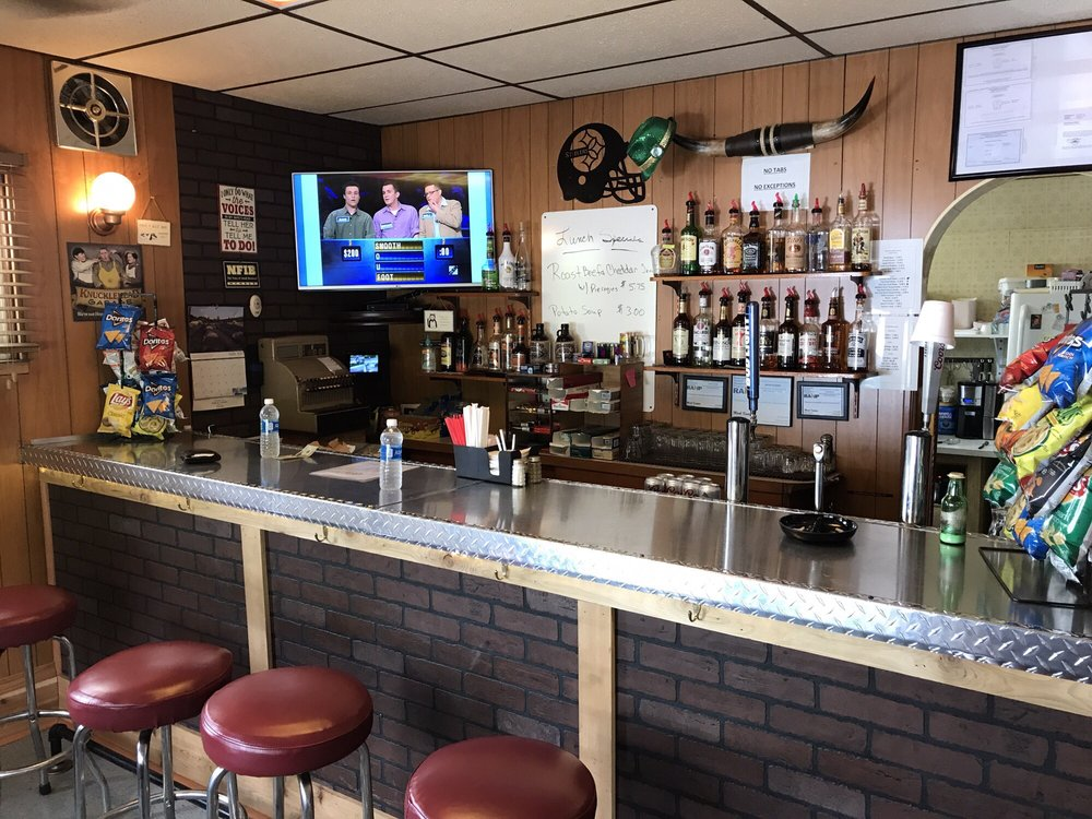 Phil's Rosedale Tavern: 459 Mountain Rd, Uniontown, PA