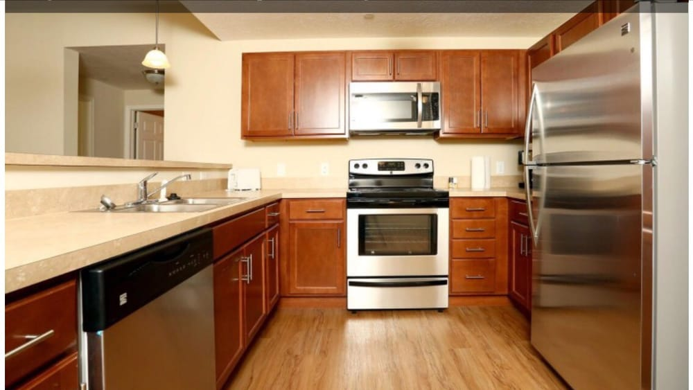 Sanctuary Grove Apartments: 2381 Applegrove St NW, Canton, OH