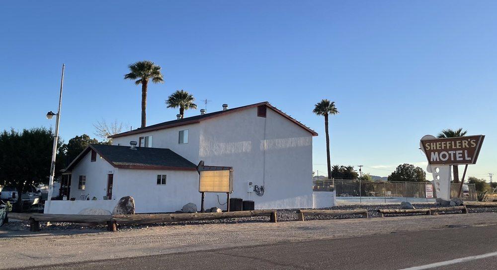Sheffler's Motel: 66730 Hwy 60, Salome, AZ