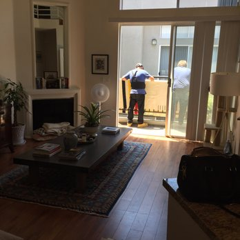 Photo Of Lugg Los Angeles Ca United States Lifting Couch Over Balcony