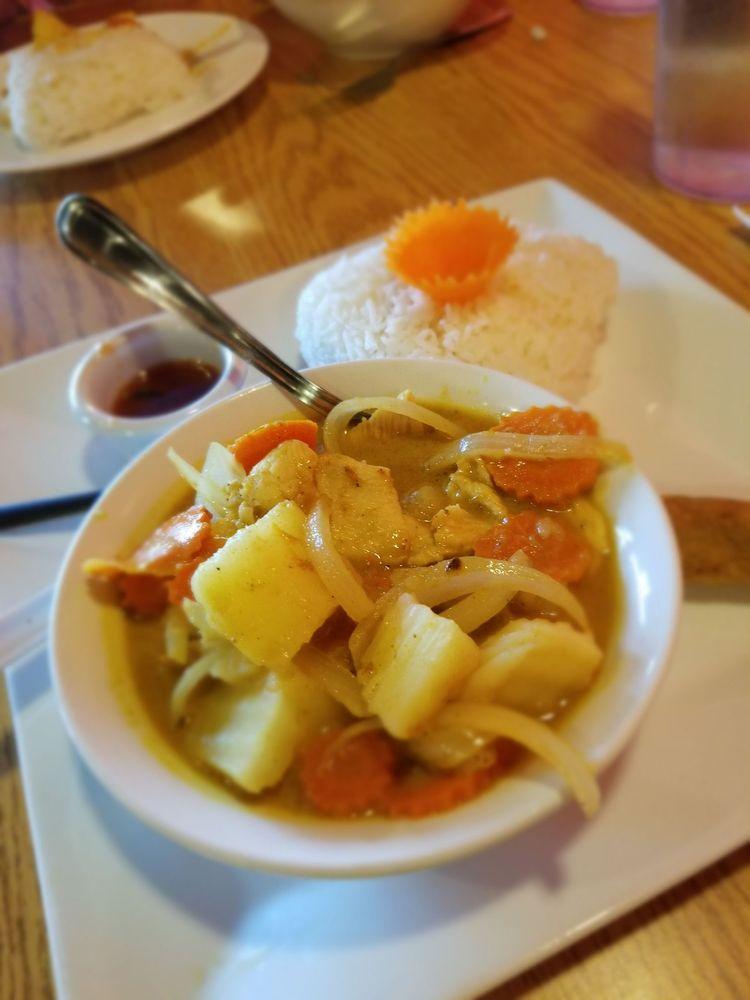 Let's Eat Thai: 3115 San Mateo Blvd NE, Albuquerque, NM