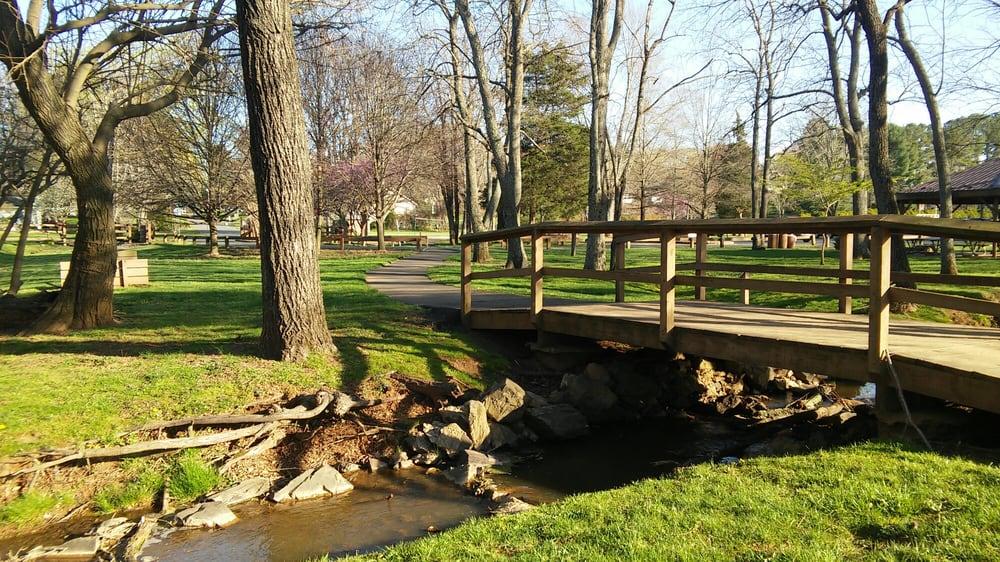 Rady Park: 725 Fauquier Rd, Warrenton, VA