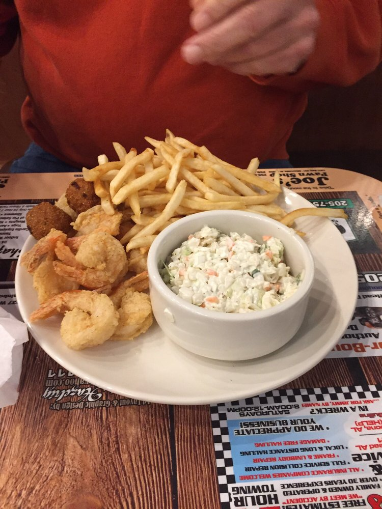 Pounder's Seafood Restaurant: 204 1st Ave E, Oneonta, AL