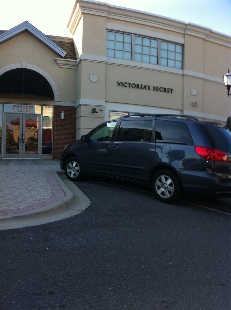 Victoria's Secret: 9812 Rea Rd, Charlotte, NC