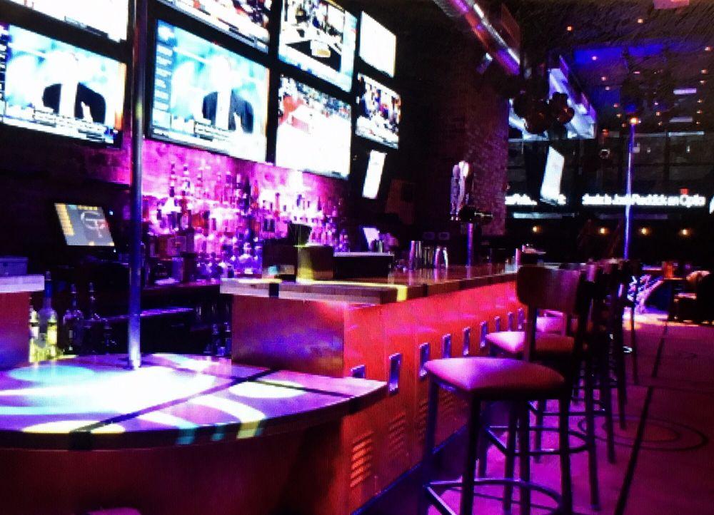 Hoops Cabaret & Sports Bar: 48 W 33rd St, New York, NY