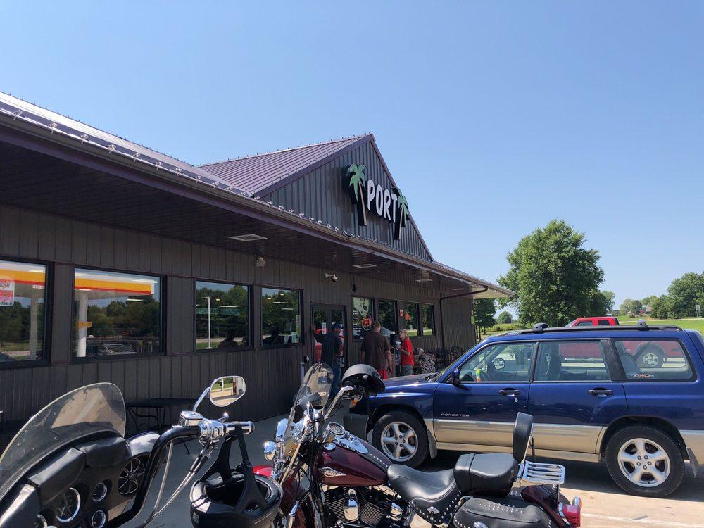 Sugarfoot Convenience Store: 5430 NE Hwy 82, Osceola, MO
