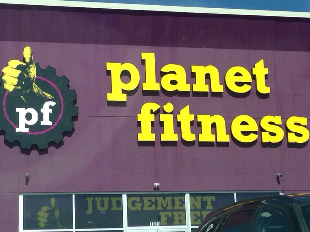 Planet Fitness - Ft. Wayne - Dupont: 1916 W Dupont Rd, Fort Wayne, IN