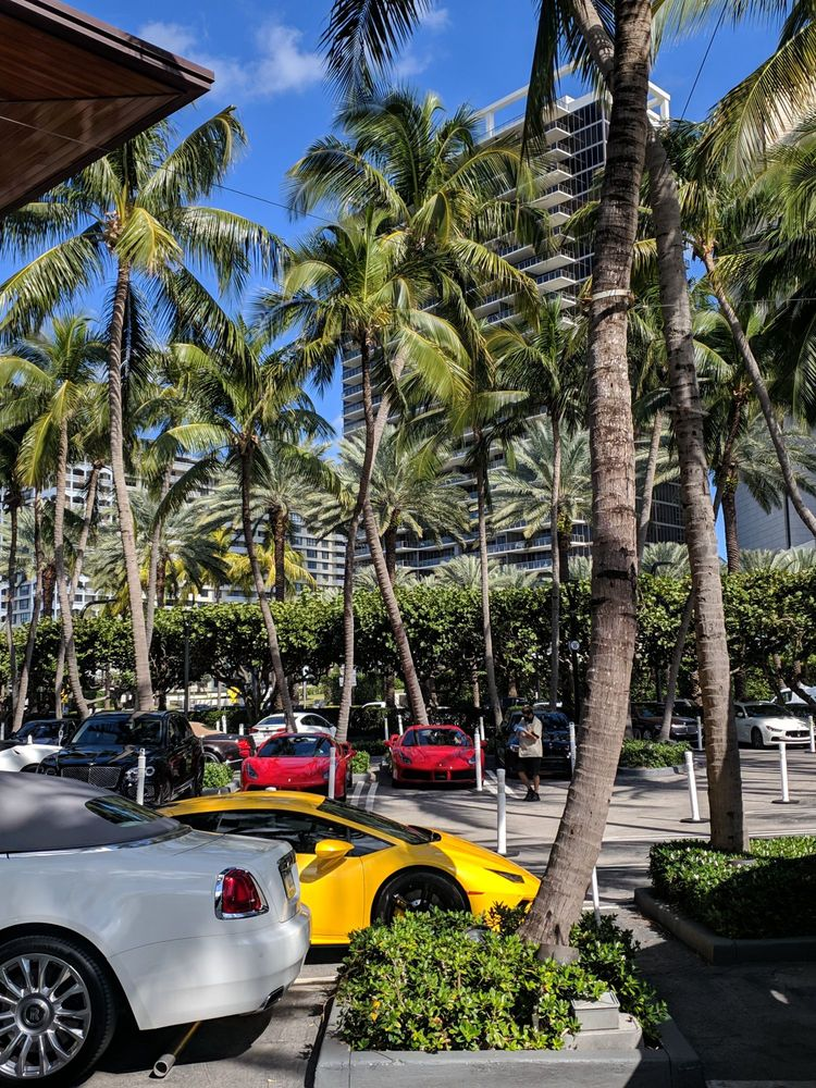 Bal Harbour Shops: 9700 Collins Ave, Bal Harbour, FL