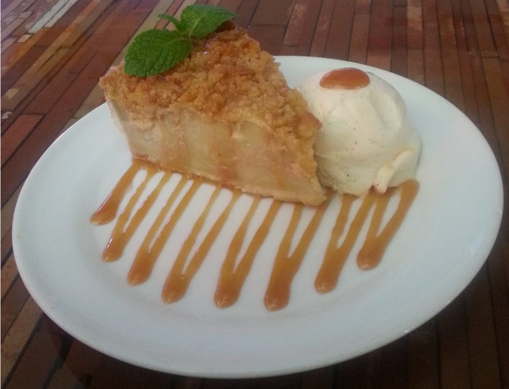 Apple crisp at fish house restaurant on fort myers beach for Fish house fort myers beach
