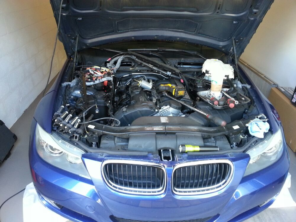 This bmw owner noticed smoke and a burning oil smell from for Nomad service