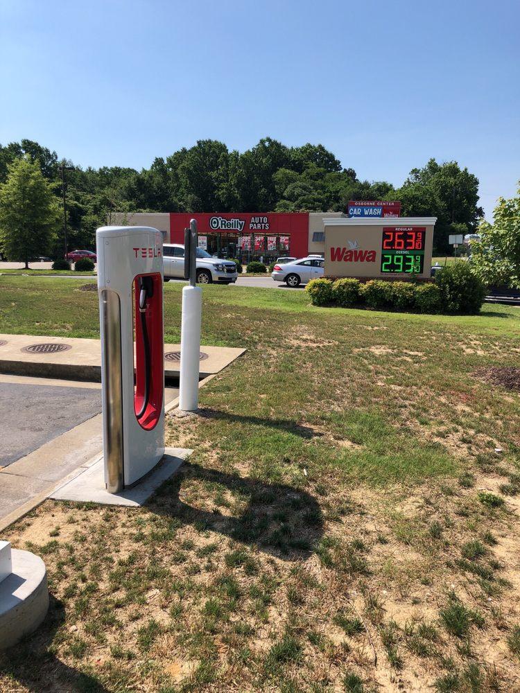 Tesla Supercharger: 11701 Jefferson Davis Hwy, Chester, VA