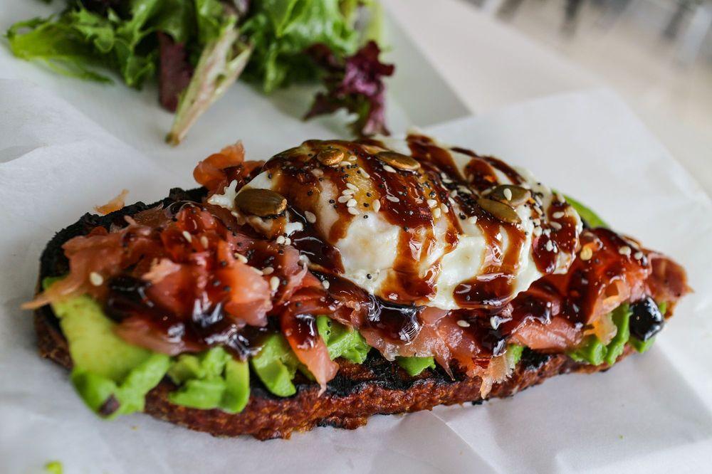Le Paris Artisan & Gourmet Cafe: 3921 Broadway St, American Canyon, CA