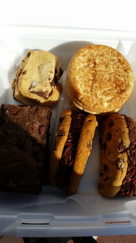 The Cookie Jar: 712 S 6th St, Champaign, IL