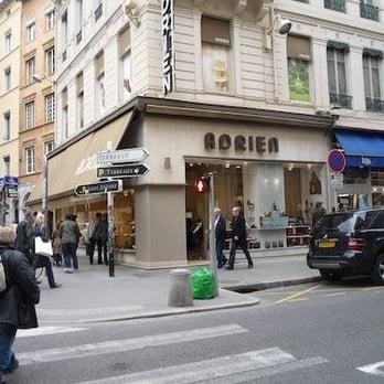 chaussures adrien 19 photos magasins de chaussures 42 rue du pr sident edouard herriot. Black Bedroom Furniture Sets. Home Design Ideas
